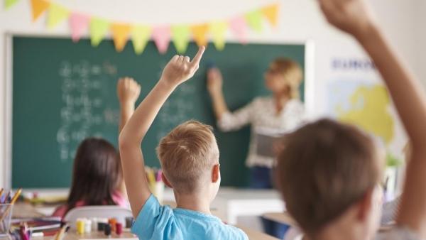 Учебните занятия в община Троян присъственно от 16 ноември