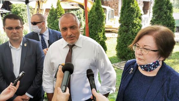 Премиерът Борисов с кмета Михайлова и председателя на ОбС инж. Пенков