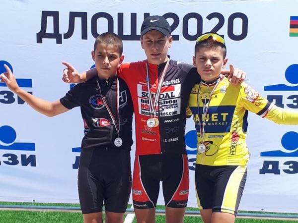 Стефан Йовевски спечели злато, сребро и бронз от ДЛОШ на писта в град Пазарджик