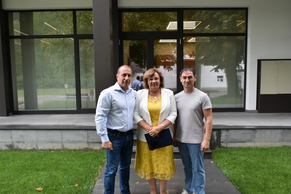 """Кметът на Ловеч посети фирма """"Техра"""" и благодари за направеното дарение за болницата"""